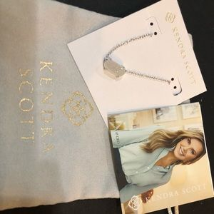 Kendra Scott necklace NEW